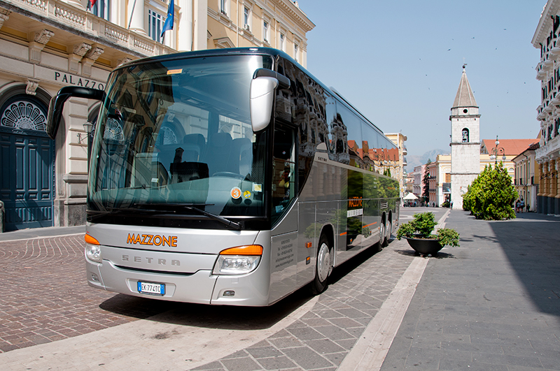 ADVANTAGES OF TRAVELING BY COACH
